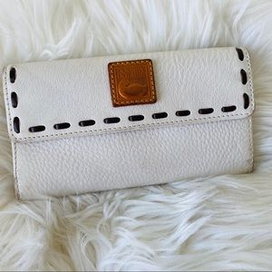 Dooney and Bourke white leather wallet
